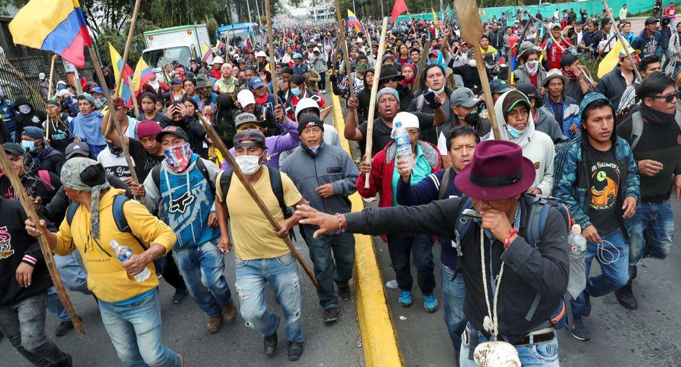 Un grupo de asaltantes irrumpió en la madrugada de este martes en la sede de la Contraloría General, en Quito, donde provocaron destrozos. (Foto: Reuters)