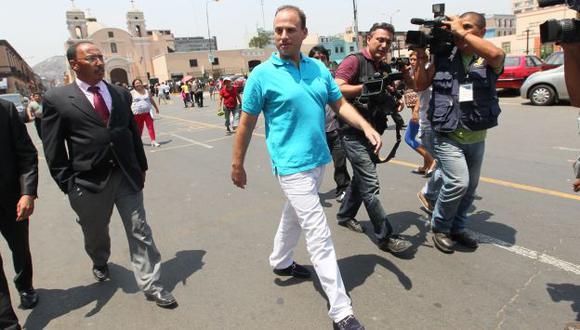 SE HACE EL LOCO. Negó la agresión al salir de la Fiscalía. (Miguel Bellido)
