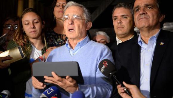 """Álvaro Uribe llamó a un """"gran pacto nacional"""" luego del triunfo del """"no"""". (AFP)"""