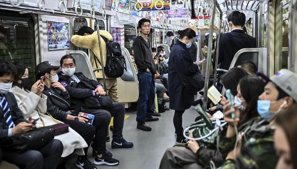 Japón anota récords diarios en el número de infectados por coronavirus. (Foto: CHARLY TRIBALLEAU / AFP).