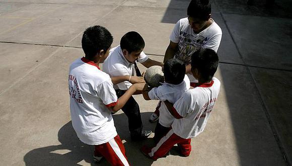 Esperan aliviar la falta de policías en los colegios. (Perú21)