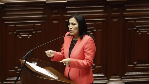 La ministra de Educación, Flor Pablo Medina, respondió el pliego interpelatorio de 29 preguntas ante el pleno del Congreso. (Foto: César Campos / GEC)
