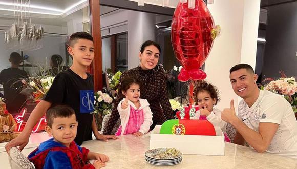 Criar a cuatro hijos no debe ser fácil y por eso recurren a ciertos trucos. (Foto: Instagram/Cristiano Ronaldo)