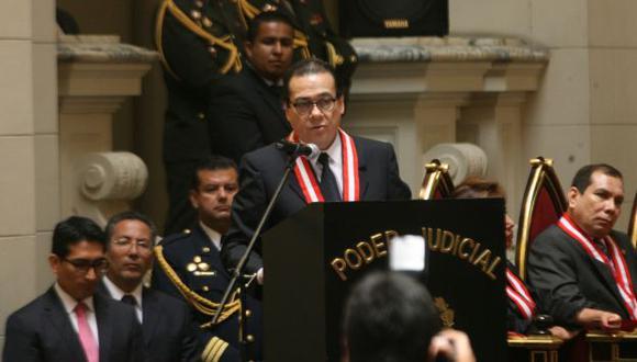 ASUMIÓ FUNCIONES. Presidente del Poder Judicial, Enrique Mendoza, estuvo rodeado de autoridades. (Rodrigo Málaga)