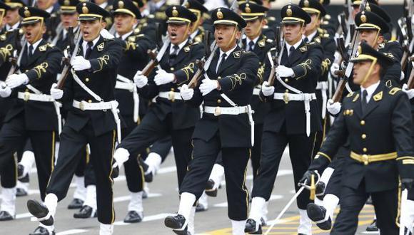 Comisión de Presupuesto aprobó adelantar aumento a policías y militares. (Piko Tamashiro/Perú21)