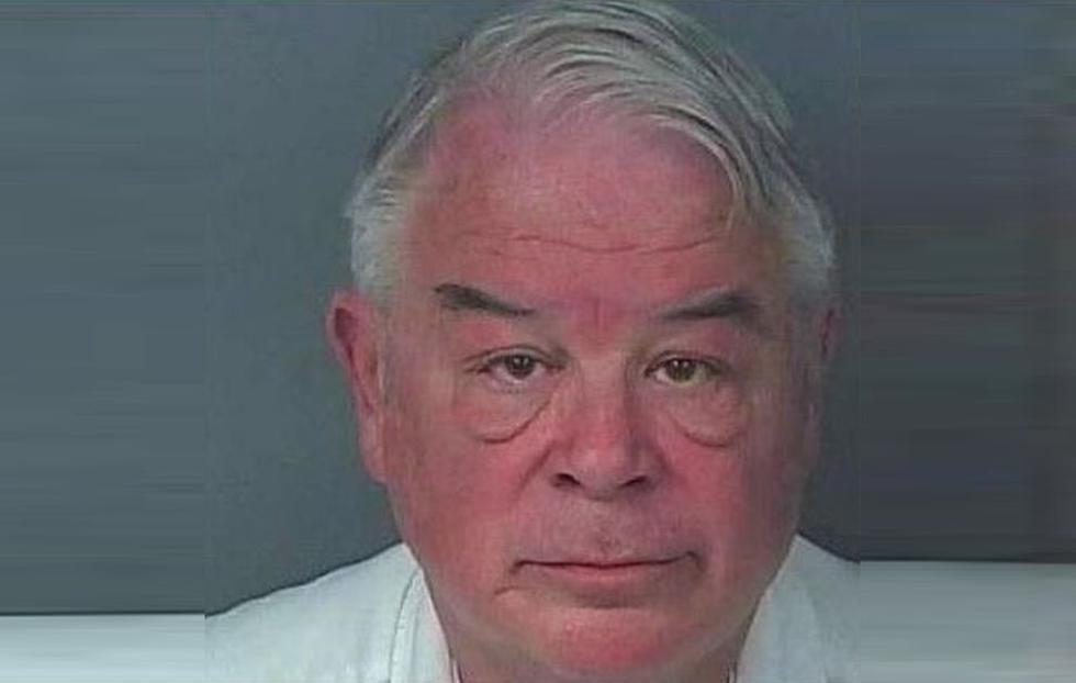 Dos mujeres señalan a Nick Nicholson, de 71 años y político de Florida, de haberlas prostituido. Twitter/@BelkysDimension)