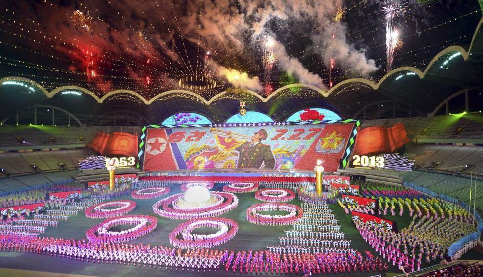 El famoso festival de masas norcoreano, Arirang, la mayor representación gimnástica del mundo, comenzó en Pyongyang. (Reuters)