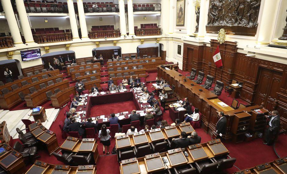 Contraloría también investigará al Congreso por adquisición de flores por S/84 mil 800. (Perú21)