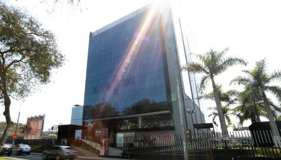 Telefónica expresó su posición ante la decisión del MTC de no renovarle dos contratos de concesión. (Foto: El Comercio)