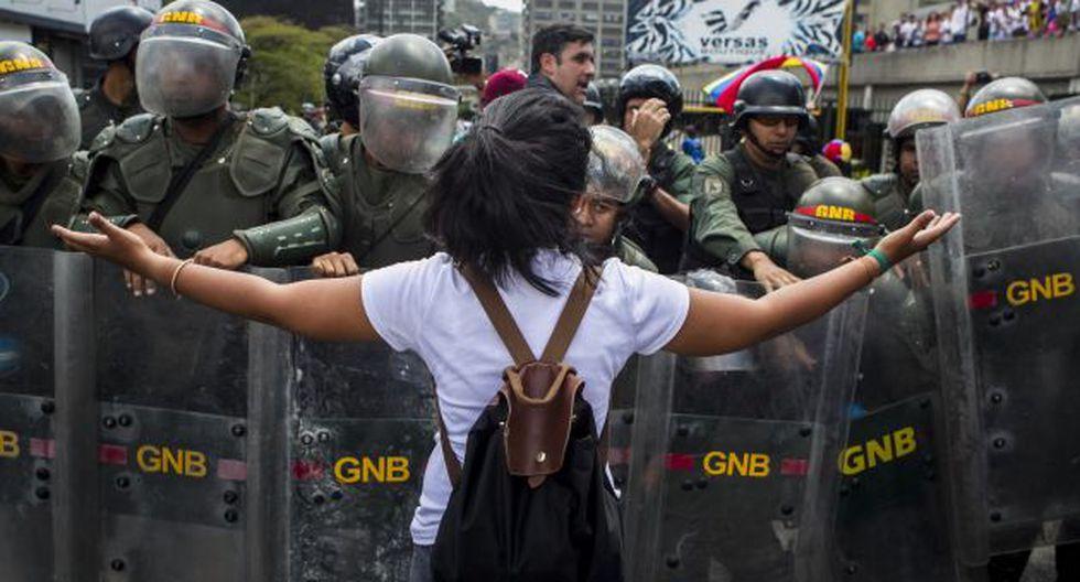 El 68% dice que el Perú debe tomar posición a favor de la oposición. (EFE)