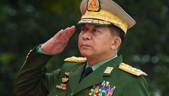 Los especialistas en Birmania consideran que Min Aung Hlaing no pretende abandonar la primera línea del poder cuando cumpla 65 años en julio, es decir, la edad de la jubilación. (Archivo / AFP).