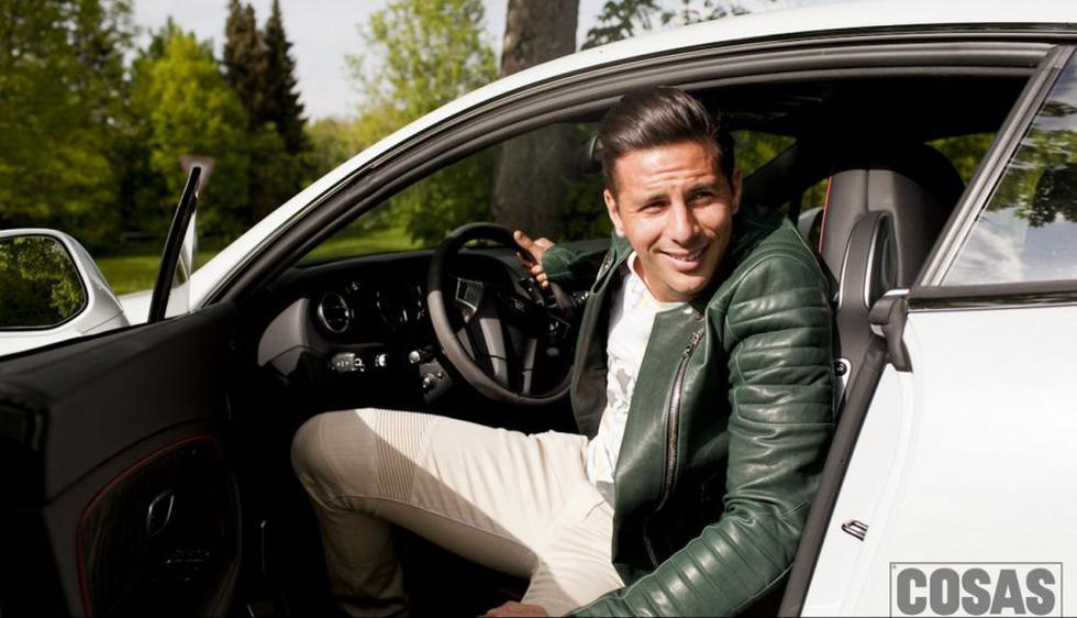 Pizarro se lució en su lujoso Bentley, el auto que maneja en Munich. (Revista Cosas)
