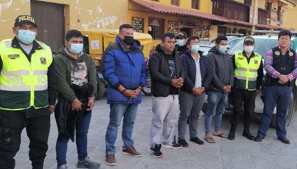 Cusco: El suboficial de segunda PNP Jhon Dalton del Águila Pastrana (28) y cuatro civiles implicados en el asalto a una joyería, fueron detenidos tras persecución. (Foto PNP)