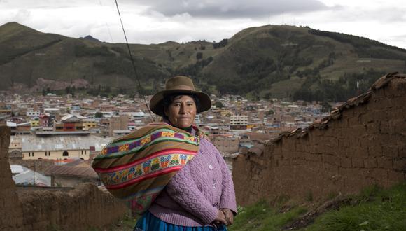 Victoria Quispe Mamani se inspira en la Montaña de Siete Colores.