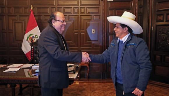 Congresista de AP dijo que el mandatario estaba considerando cambiar a Julio Velarde. (Foto: @PedroCastilloTe)