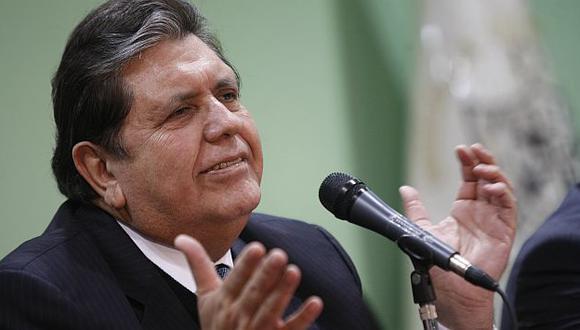 Alan García dijo que acudirán el lunes o martes a la reunión. (David Vexelman)