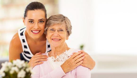 Muchos suegros se ven tentados a involucrarse en la crianza de los nietos. (Difusión)