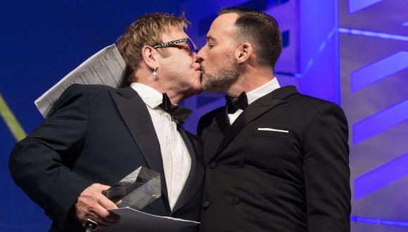 Elton John se casará con David Furnish este domingo en Inglaterra. (AFP)