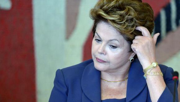 Dilma Rousseff supera por poco a sus posibles contrincantes.  (AFP)