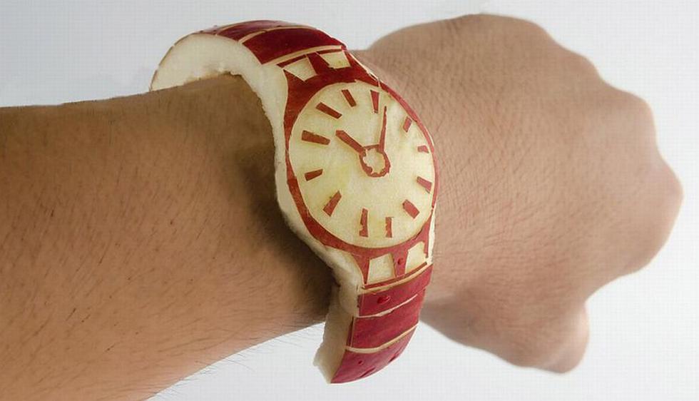 """""""No da la hora, pero es nuestro reloj más pegajoso"""". (@sinomoritsukasa en Twitter)"""