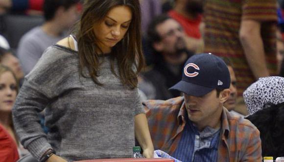 Mila Kunis estaría embarazada de Ashton Kutcher. (AP)