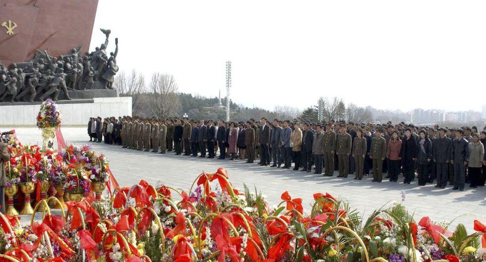 El aniversario número 101 del nacimiento de Kim fue conmemorado el lunes en Pyongyang con un festival de flores. (Reuters)
