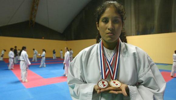 Alexandra brilla en la modalidad kumite. (Perú21)