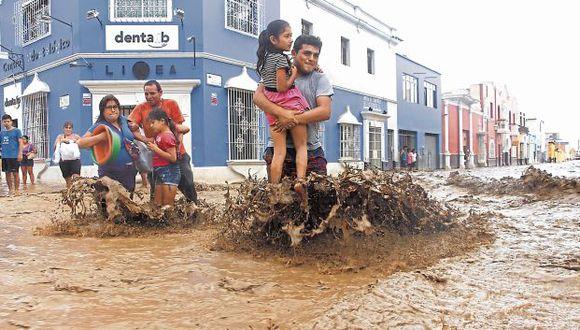 Daños. Durante el verano, las lluvias inundaron calles y casas. (USI)