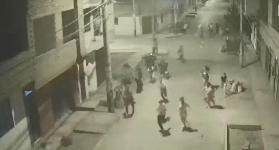 El enfrentamiento ocurrió en la segunda etapa de la urbanización Las Begonias, en el distrito de San Martín de Porres. (Captura: América Noticias)