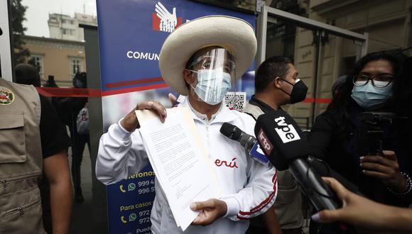 Pedro Castillo acudió a la Defensoría del Pueblo para presentar un documento por las frases vertidas por López Aliaga (César Campos/GEC).