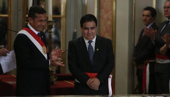 """Mirada. Fredy Otárola pide """"objetividad"""" a la prensa al tratar el tema. (Perú21)"""