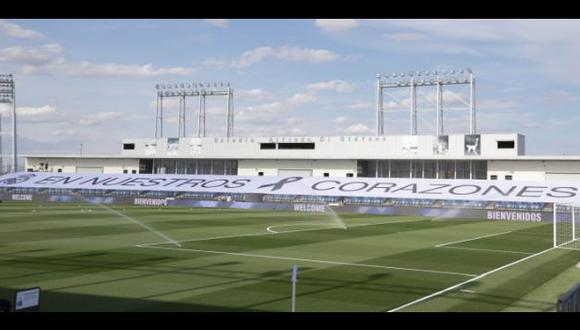 La enorme pancarta en el Estadio Alfredo Di Stéfano para el Real Madrid vs. Eibar. (Foto: LaLiga)