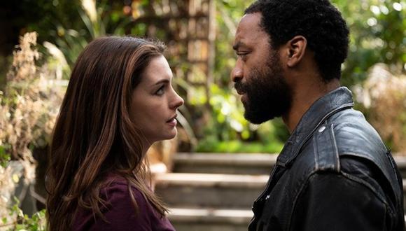 """""""Locked Down"""", protagonizado por Anne Hathaway y Chiwetel Ejiofor, se estrenará el 14 de enero en HBO Max. (Foto: HBO Max)"""