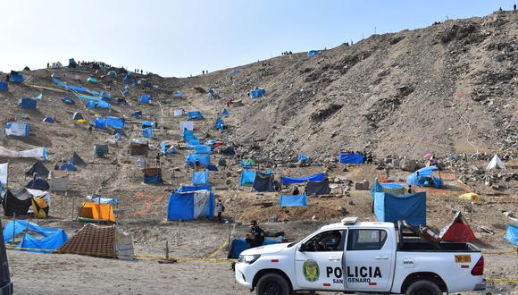 Invasores se mantienen en la posición de seguir ocupando terreno del Morro Solar. (Foto: Municipalidad de Chorrillos)