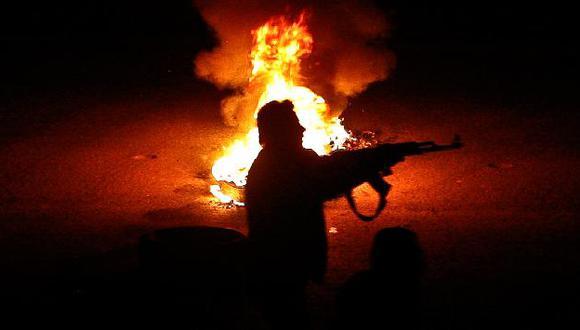 Human Rights Watch dice que rebeldes también siembran el terror. (AP)