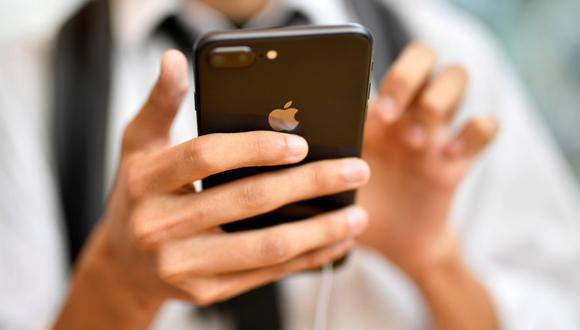 Por primera vez en la historia del iPhone, la presentación de los nuevos modelos podrá seguirse en directo de forma gratuita y desde todo el mundo por YouTube. (Foto: EFE)