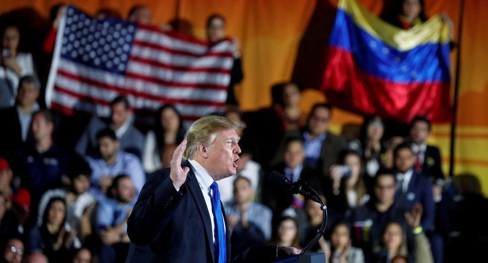 El presidente de Estados Unidos, Donald Trump, habla sobre la crisis en Venezuela durante una visita a la Universidad Internacional de Florida en Miami. Imagen del 18 de febrero de 2019. (REUTERS/Kevin Lamarque/File Photo).