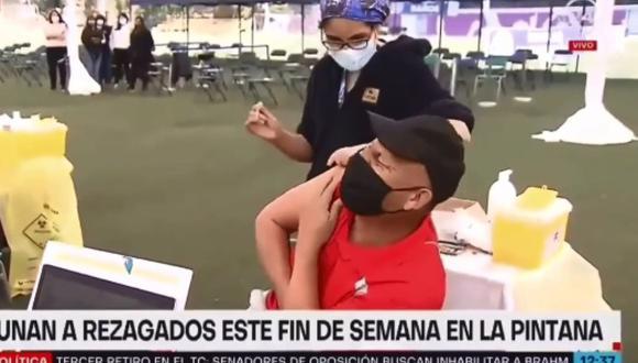 El hilarante momento protagonizado por un hombre con miedo a las vacunas: se volvió viral. (Foto: @televisivamente / Instagram)