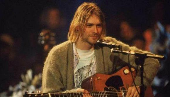 El legendario cárdigan de Kurt Cobain fue rematado en 334 mil dólares. (Foto: AFP)
