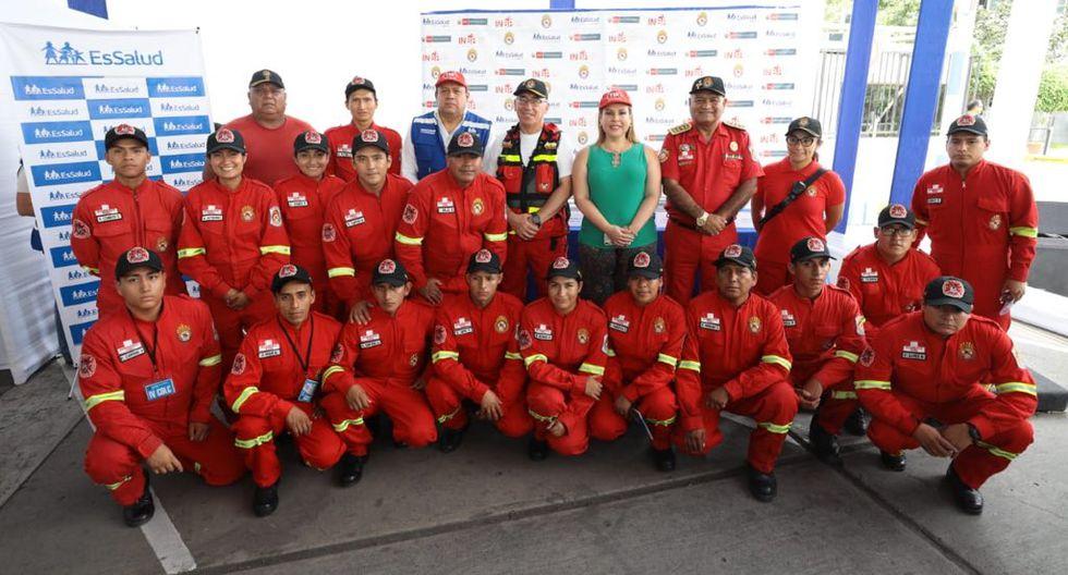 El documento fue firmado por el gerente general de EsSalud, Alfredo Barredo, y el intendente nacional de Bomberos del Perú, Luis Ponce. (Foto: EsSalud)