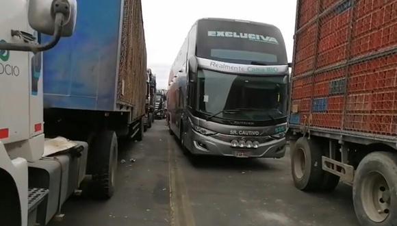 La Libertad: Transportistas y pasajeros podrían pasar Año Nuevo en la Panamericana Norte por bloqueo de vías (Foto: Captura de pantalla RPP)