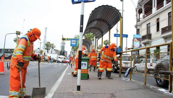 En los trabajos participaron 16 operarios de limpieza de la Municipalidad de Lima. (Foto: MML)
