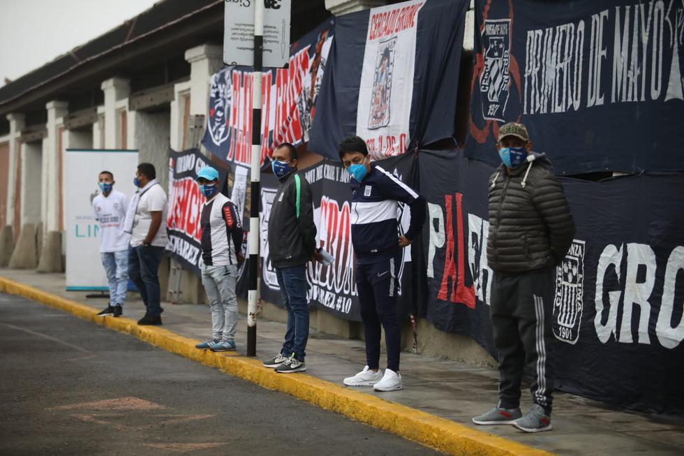 La Municipalidad de Lima reconoció como organización social de nivel distrital del Cercado de Lima a la Asociación Barra Oficial Cercado Grone 1997, que integra el Comando Sur, barra oficial del club de fútbol Alianza Lima. (FOTOS: BRITANIE ARROYO / @PHOTO.GEC)