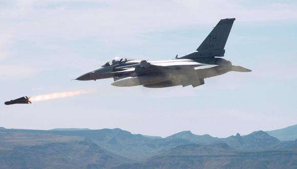 Estados Unidos bombardea a facción de Hezbolá en Irak; hay al menos 15 muertos. (AFP)