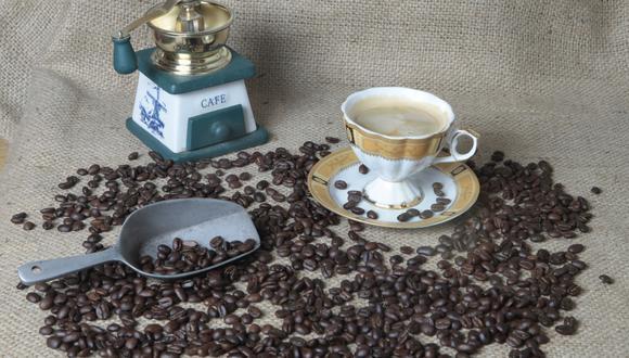 """Contraria a la frase """"Un café debe ser ser negro como la noche y dulce como el amor"""", dos expertos nos señalan que la bebida debe ser marrón y no requiere azúcar (Trome)."""