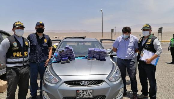 Arequipa: Taxista se pone nervioso y descubren que llevaba 35 kilos de cocaína (Foto: PNP)