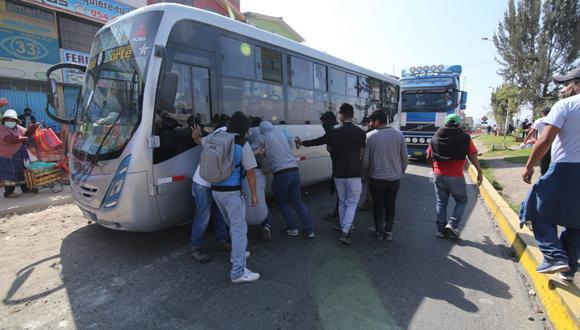 Arequipa: El Ministerio Público alerta a transportistas de carga pesada que cumplen un paro nacional indefinido que incurrirán en delito si bloquean las vías o protagonizan disturbios.  (Foto: Leonardo Cuito)