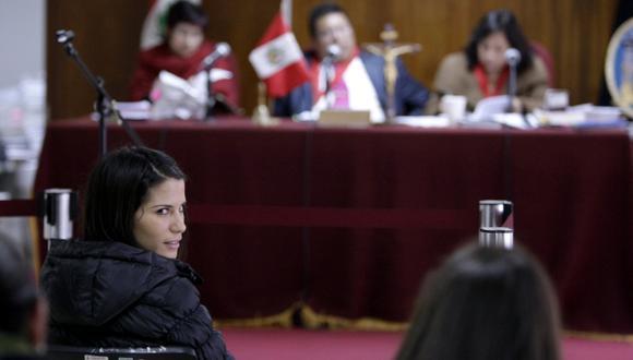 Eva Bracamonte y Liliana Castro recibieron préstamos de la empresa Sideral. (USI)