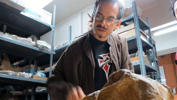 Ivan Meza, el hombre de ciencia detrás del hallazgo del primer Plesiosaurio del Perú. (Facebook)