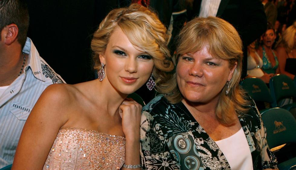 Taylor Swift revela que su madre está luchando nuevamente contra el cáncer (Foto: AFP)